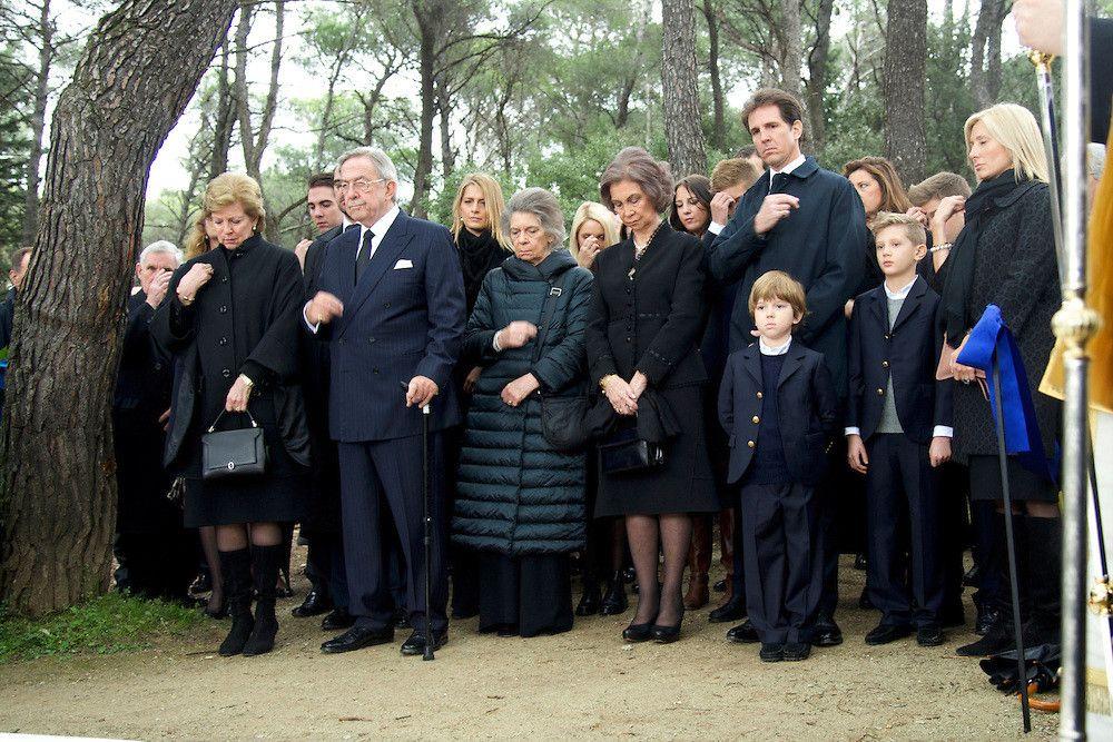 Miembros actuales de la Casa Real Griega Tatoi10_zps331282c9