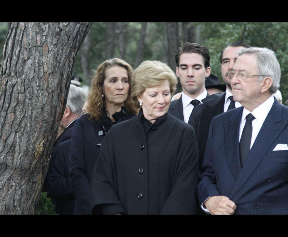 Miembros actuales de la Casa Real Griega Tatoi12_zps4e76a1e6