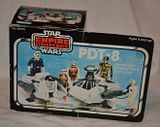 PROJECT OUTSIDE THE BOX - Star Wars Vehicles, Playsets, Mini Rigs & other boxed products  - Page 2 Th_pdt_8_10