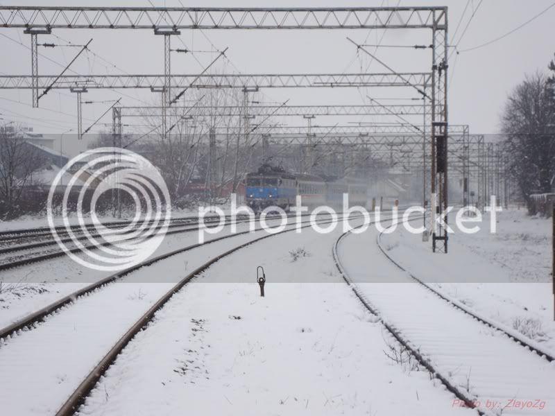 Vlakovi u daljini DSC07834