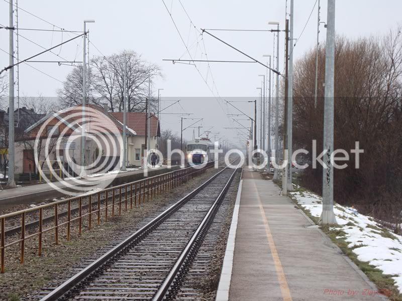 Vlakovi u daljini DSC08064