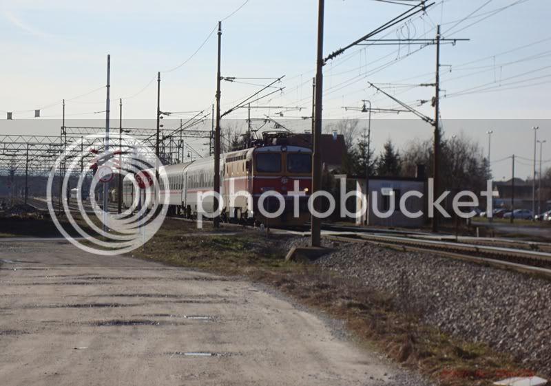 Vlakovi u daljini DSC08181