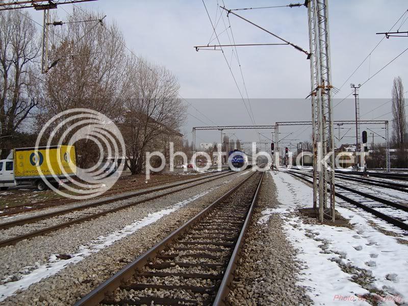 Vlakovi u daljini - Page 2 DSC08331