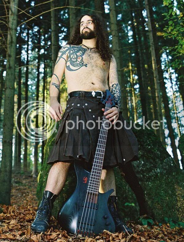 mon autre passion I Eluvietie_bassist_kilt