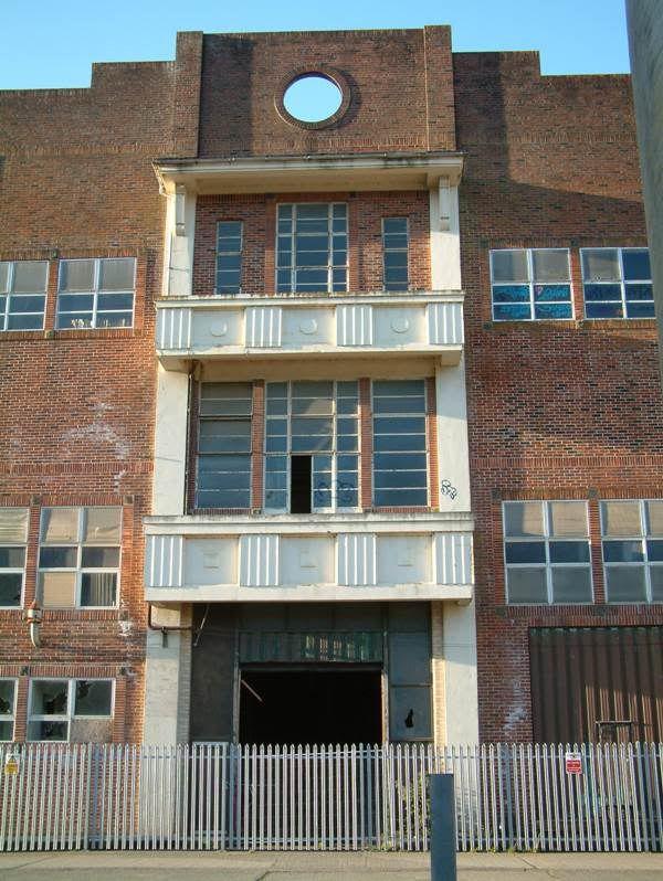Torrington Creamery (Taddiport) Aug 2010 ImposingEntrance