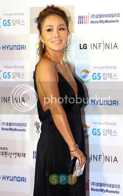 'Madonna xứ Hàn' vượt lên bệnh ung thư 1287630461-uhm-jung-hwa-2