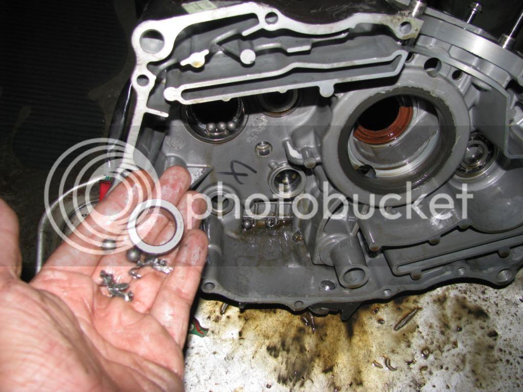 Cronicas de una transmisión destrozada en RKV200 IMG_3180_zps324a5280