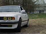 Neepon lousku (BMW 735i E32) Th_P5140754