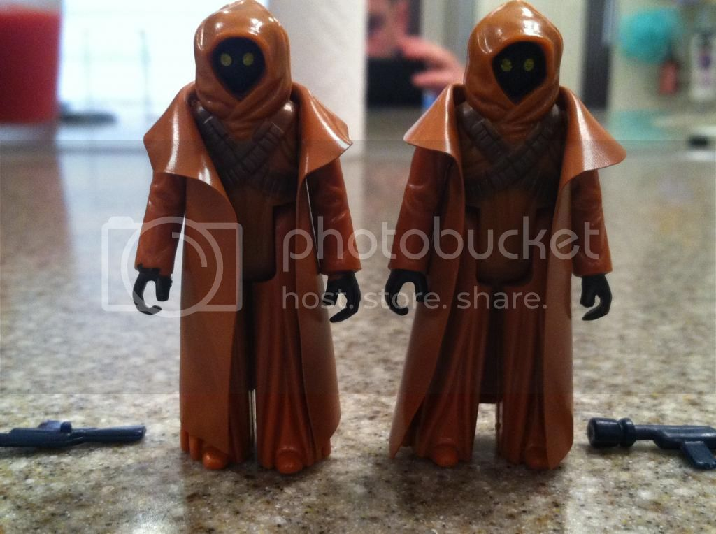 somethhing just dosn't look right with this Vinyl Cape Jawa Image-119