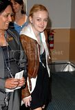 [Photos] Dakota Fanning leaving Vancuver and arriving at LAX Airport (Oct 1st 09) Th_DakotaLeavinVancouverOc109001