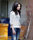 [Photos] Attending an event at Charnock Road Elementary School (Oct 6th 09) Th_03-1