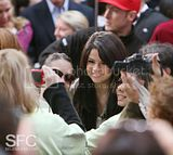 [Photos/Video] Selena Gomez on the Today Show (Oct 2nd 09) Th_0_20