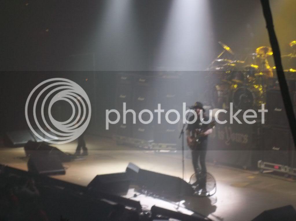 Some Concert Pics 100_0345