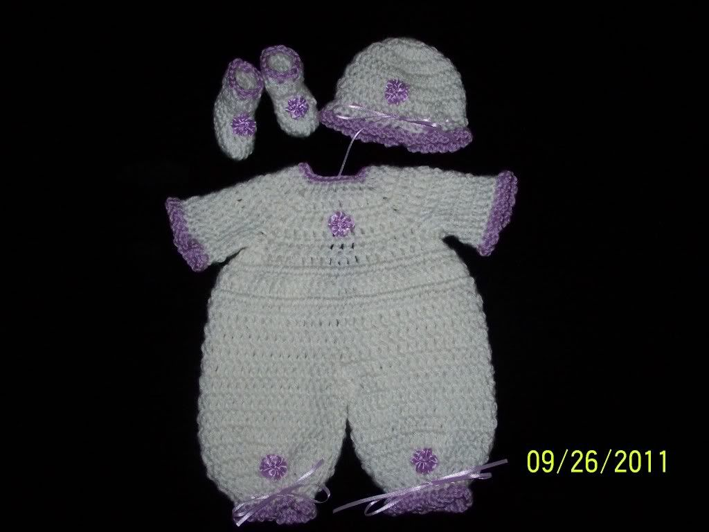 "Cute preemie sweater sets 15/17"" preemie baby 001-22"