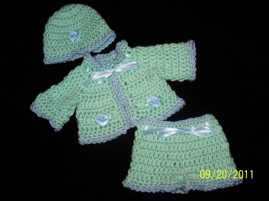 "Cute preemie sweater sets 15/17"" preemie baby 002-21"