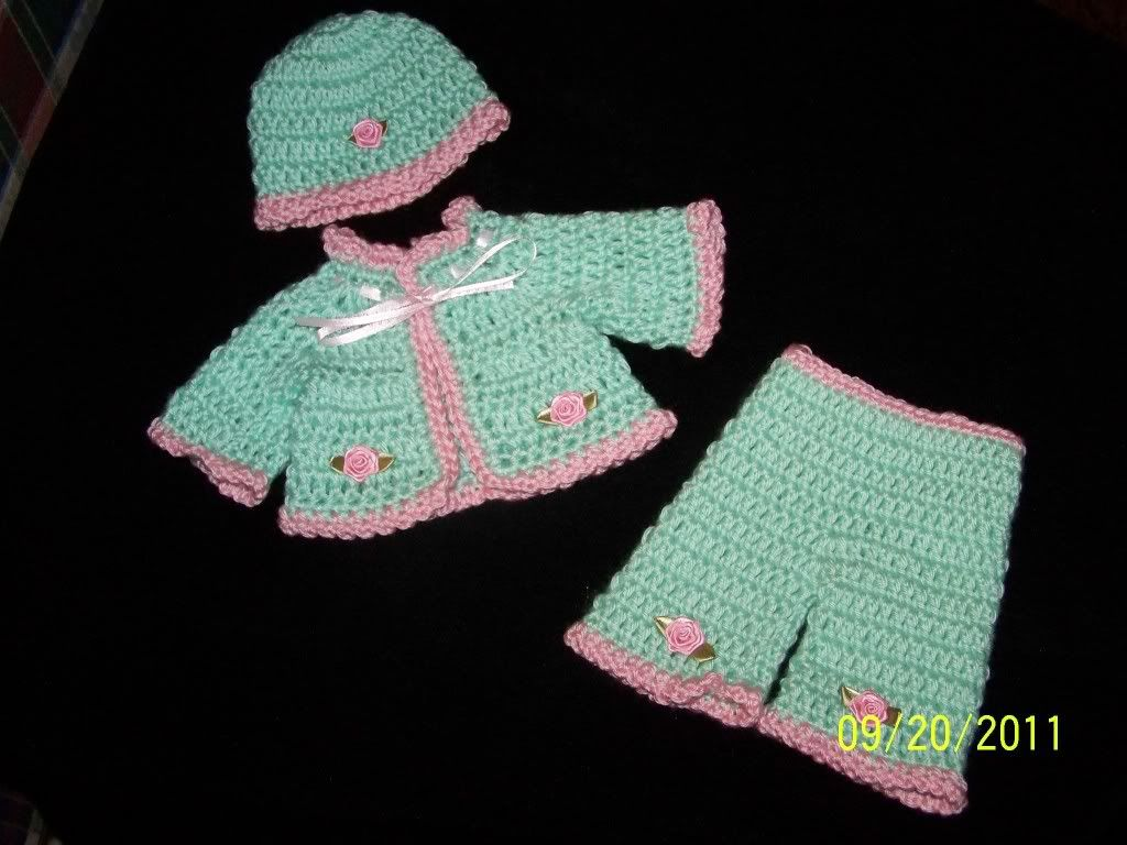 "Cute preemie sweater sets 15/17"" preemie baby 003-14"