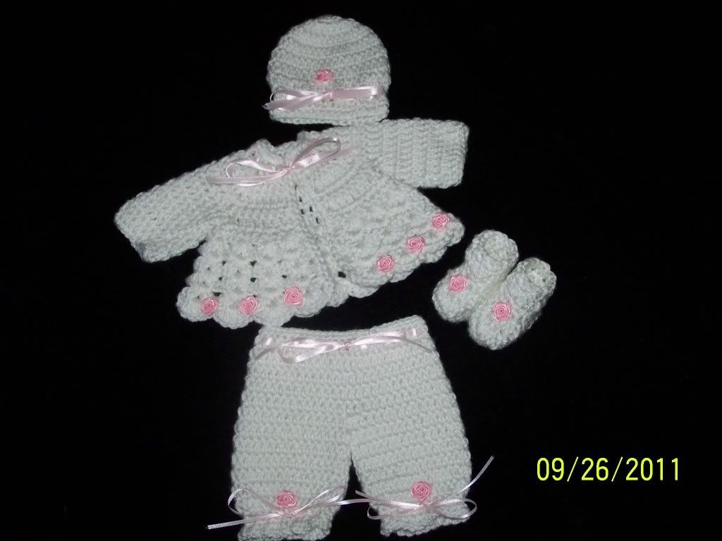 "Cute preemie sweater sets 15/17"" preemie baby 003-15"