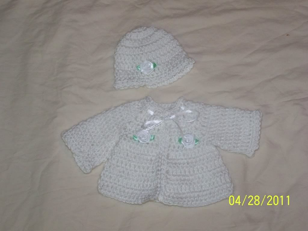 More Cute preemie sweater sets  great price 004-13