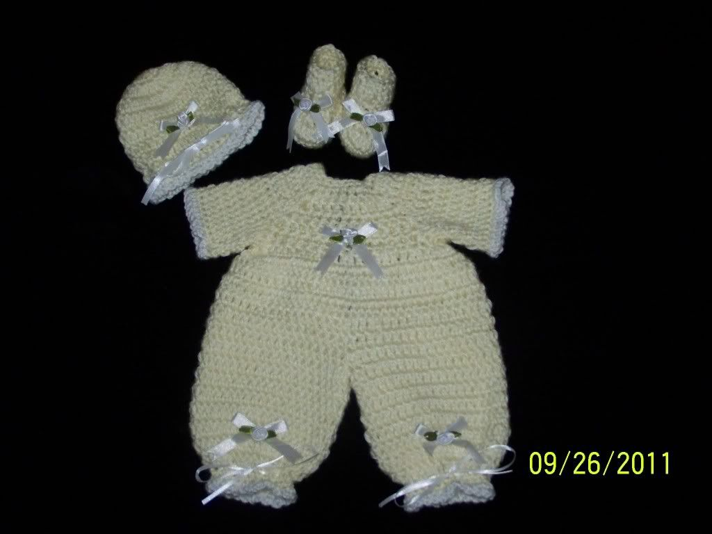 "Cute preemie sweater sets 15/17"" preemie baby 005-10"