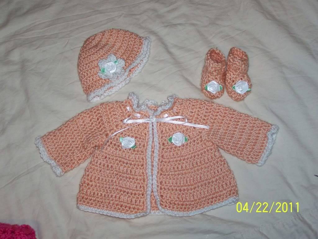 "Cute preemie sweater sets 15/17"" baby, great prices 012-3"