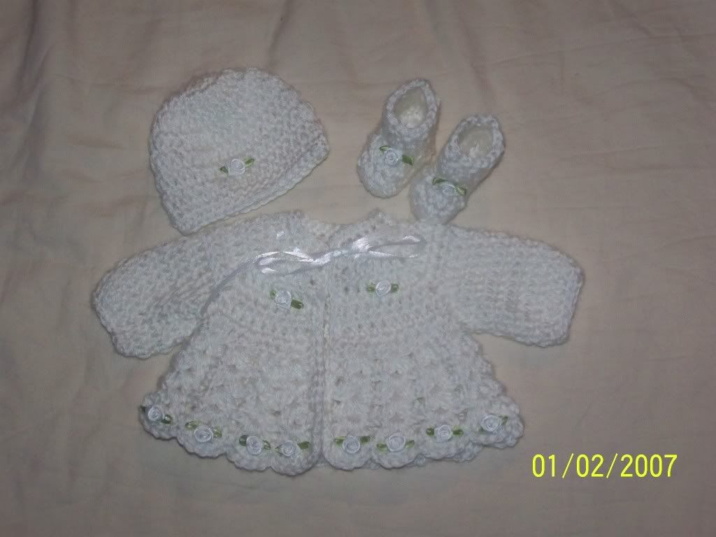 "Cute preemie sweater sets 15/17"" baby, great prices 021-1"