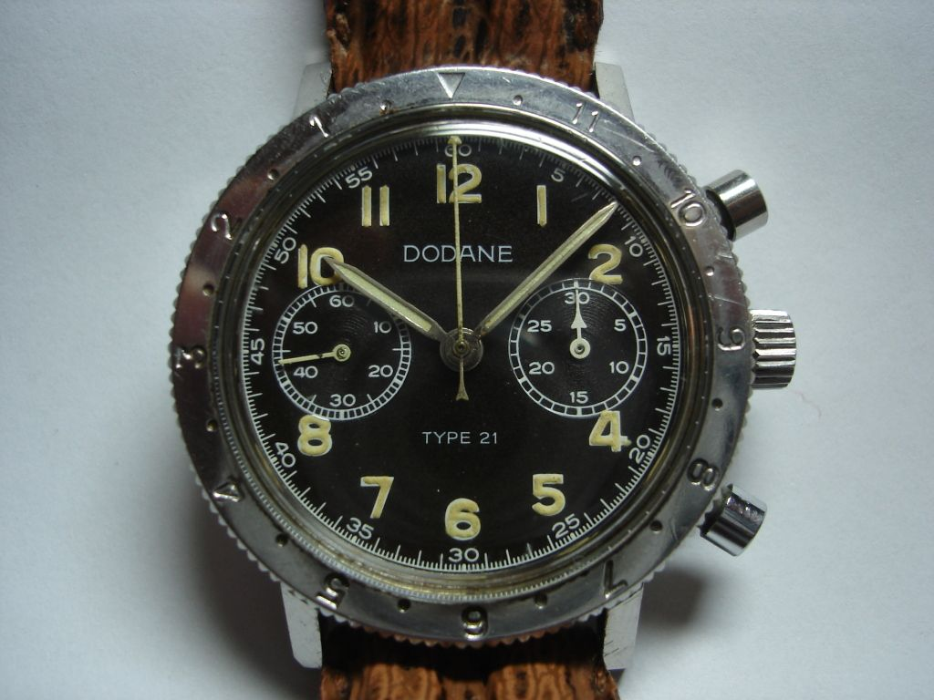 Chronographe Dodane type 21 - Page 2 DSC00271
