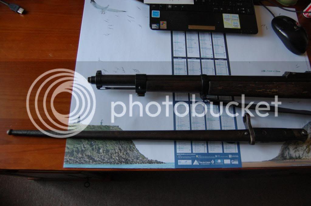 Quelques baïonnettes montées sur leurs armes - Page 2 DSC_0495_zpsc9663903