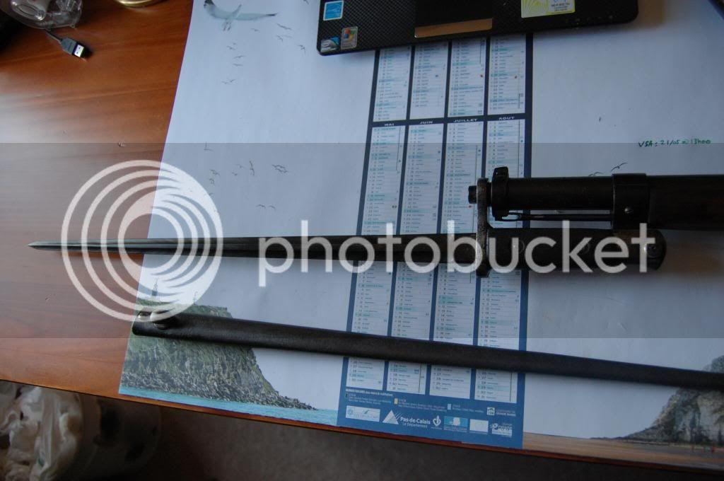 Quelques baïonnettes montées sur leurs armes - Page 2 DSC_0496_zps33d59619