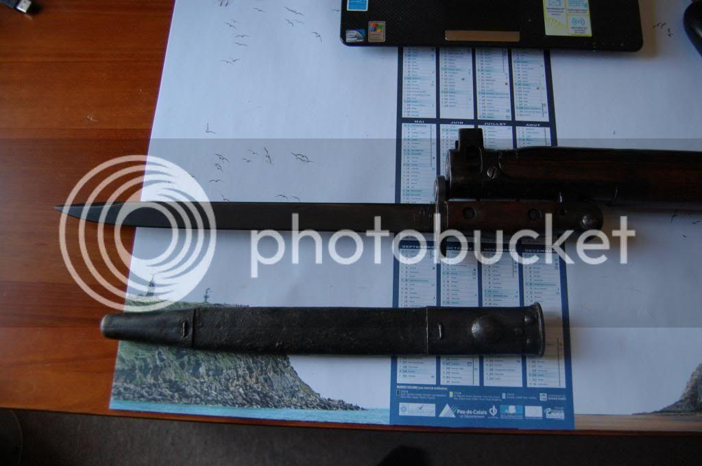 Quelques baïonnettes montées sur leurs armes - Page 2 DSC_0498_zps7d230a95