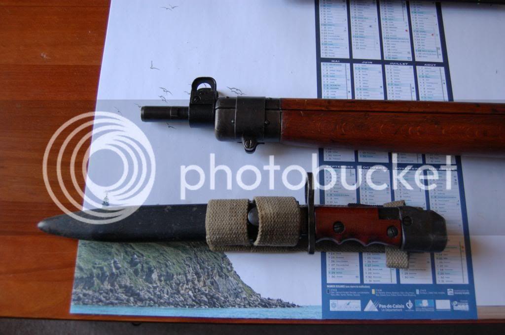 Quelques baïonnettes montées sur leurs armes - Page 2 DSC_0503_zpsb8d5c404