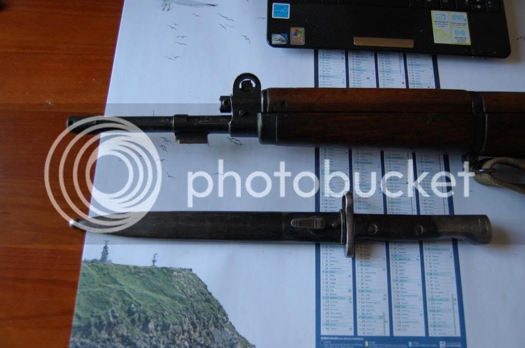 Quelques baïonnettes montées sur leurs armes - Page 2 DSC_0505_zps2e634320