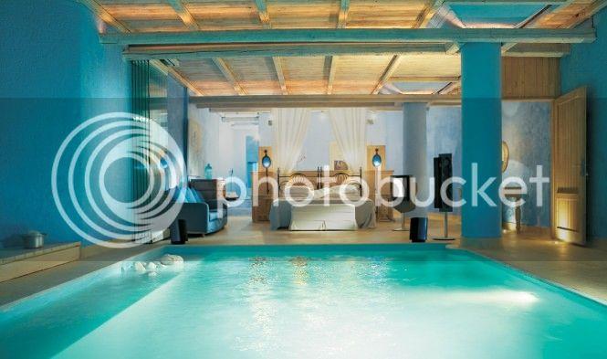 photo Luxury-Blue-Bedroom-in-Pool.jpg