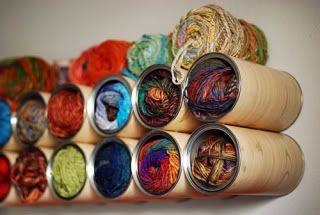 Organizzare fili, gomitoli, nastri e stoffe 55jaja