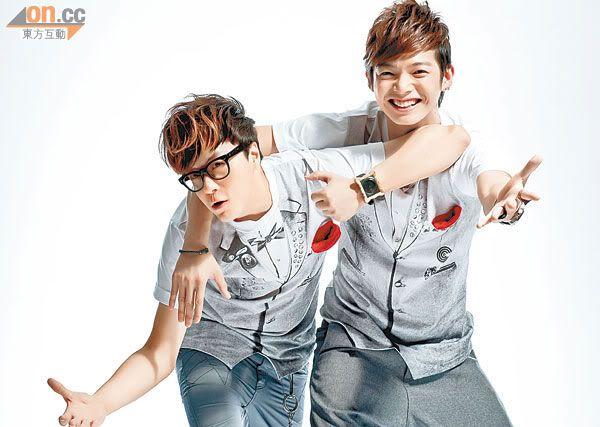 Sept.23.11 Calvin Chen and Leo fight over model 0923-00282-073b3