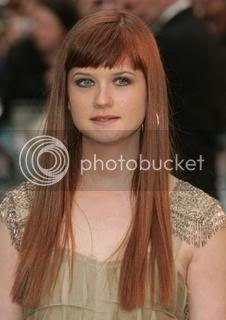 Ginny Weasley/Bonnie Wright Normal_ootppremierelondon53