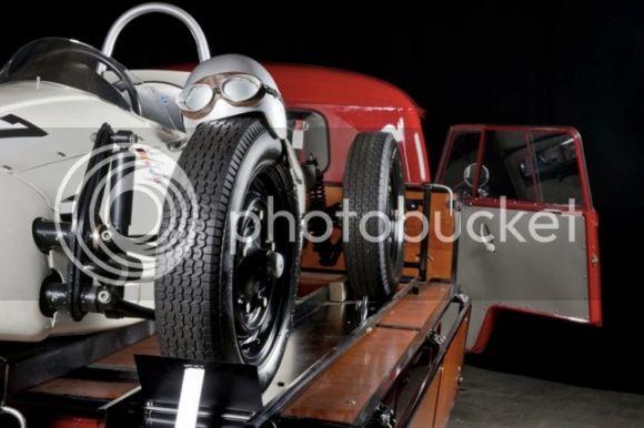 Split porte Formule V 1965_Volkswagen_Single_Cab_Transporter_Formula_V_Rack_resize_zps15ed63b1