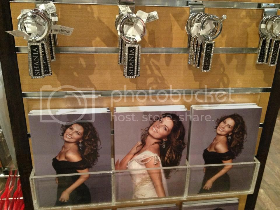 Looking for this pic... Shania-vegas-stilltheonestore-21