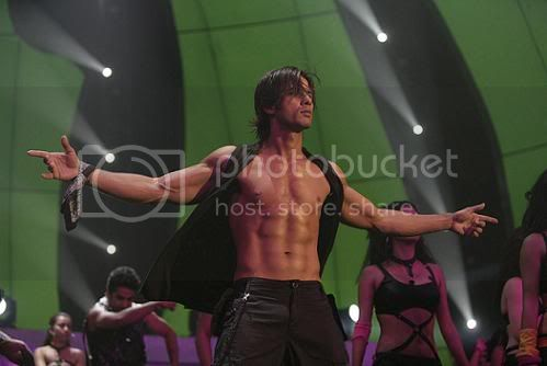 ~ The Music Lounge ~ - Page 2 Shahid-kapoor-8-pac-picture-in-chan