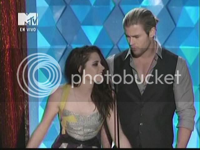 MTV Movie Awards 2012 AugmilTCIAAZNGh