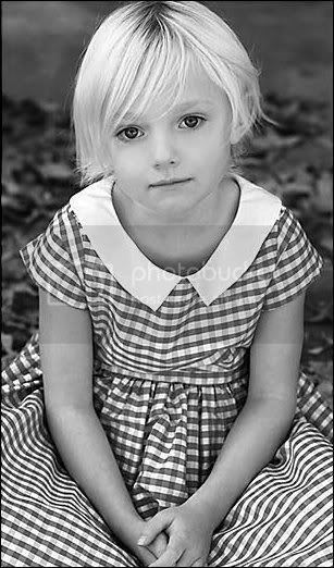 Dakota Fanning / Michael Sheen - Imagenes/Videos de Paparazzi / Estudio/ Eventos etc. MarkRoddenberry1