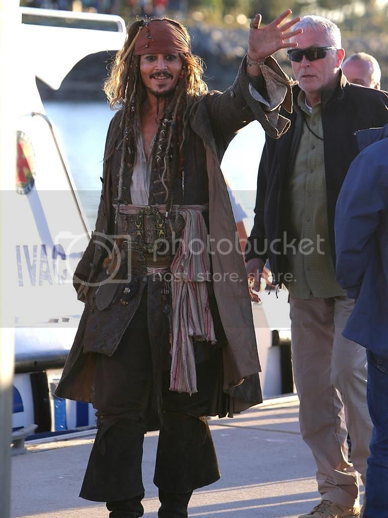 """Dead Men Tell No Tales - """"on set"""" pictures - Costume Study [WARNING SPOILERS] DMTNT%2036_zps3dwgfncn"""