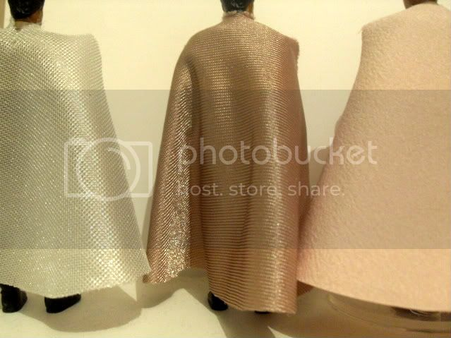 Anyone have a good pic of the repro general Lando capes? SDC12044