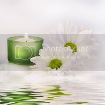Svece  u svim varijantama - Page 3 Candles-and-flowers