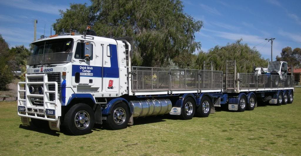 Mack Ultraliner Real Truck photo Trucks321_zps002ff86a.jpg