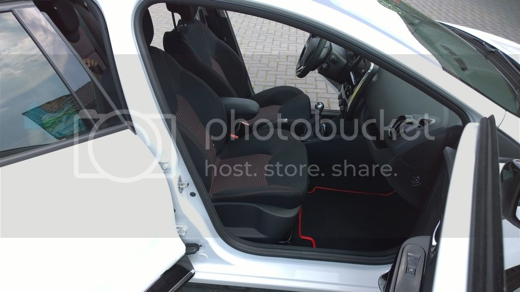 Clio IV 0.9TCE and now Clio IV R.S. - Rik Hamberg Temporary_148