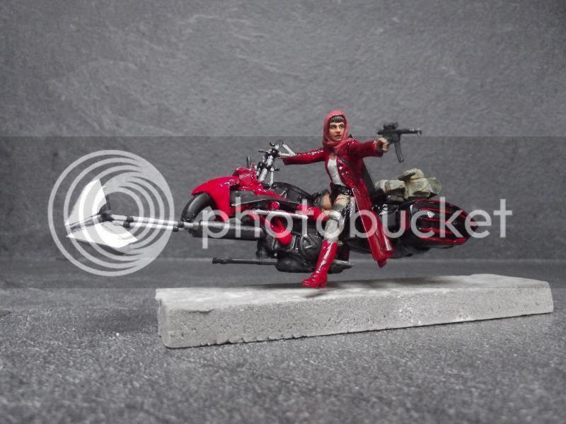 Petit chaperon rouge SF 1/35, moto scratch et figurine MN et loups Warhammer 005_zps7ad2c0f3