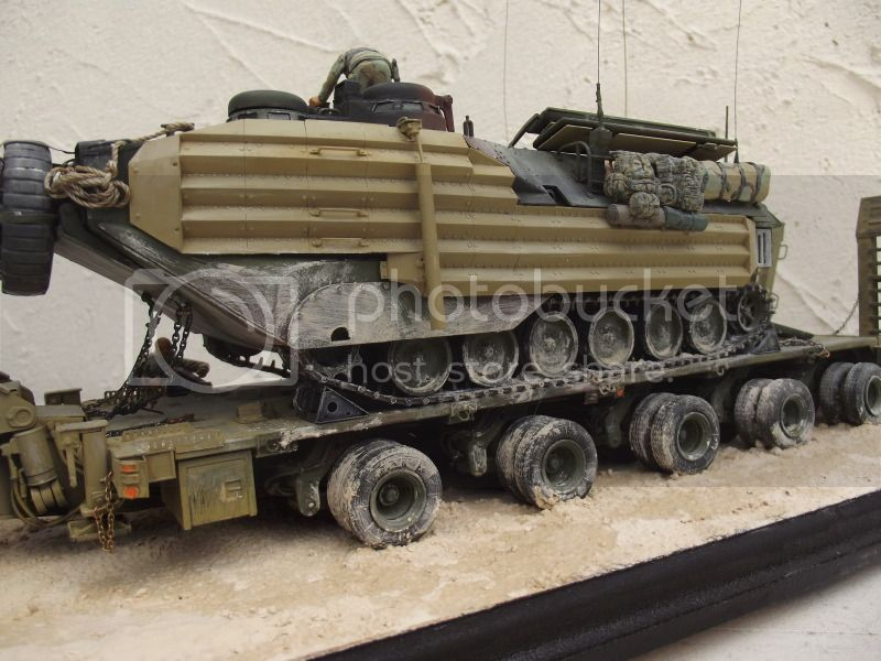 M1070 + aavp7 hobby boss 1/35 pour les 2 véhicules 007-7_1