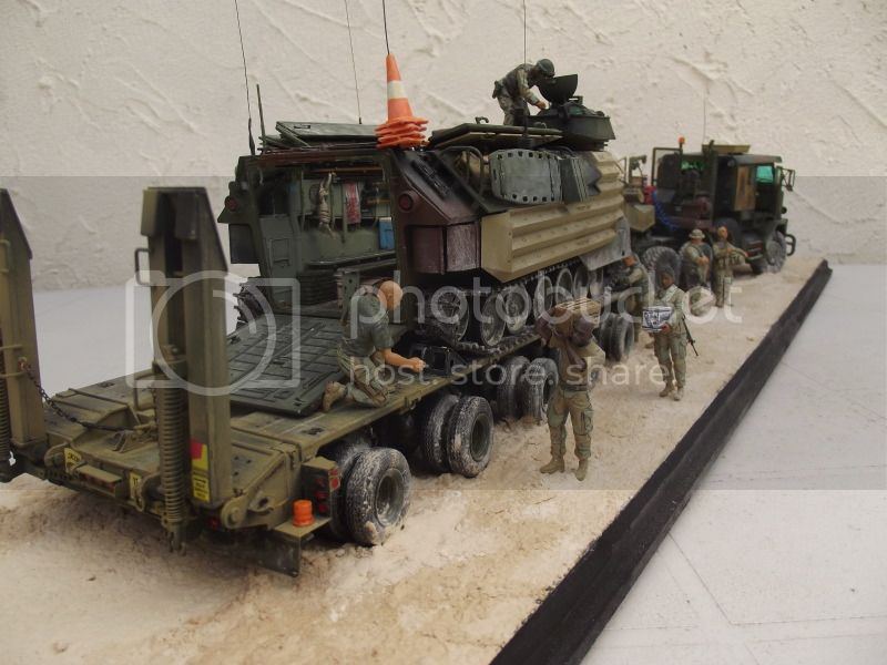 M1070 + aavp7 hobby boss 1/35 pour les 2 véhicules 014_1