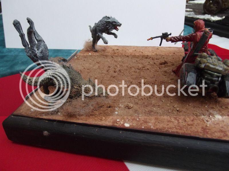 Petit chaperon rouge SF 1/35, moto scratch et figurine MN et loups Warhammer DSCF5931_zpswqyxycns