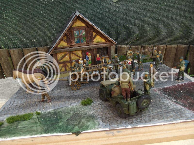 Fin de guerre - Jeep Bronco, Harley Italeri et figurines diverses - 1/35 DSCF8176_zpsmdjdt4ks
